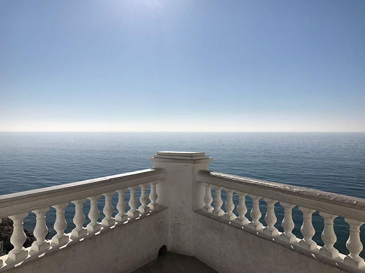 horizonte de mar y universo  de uffaideas
